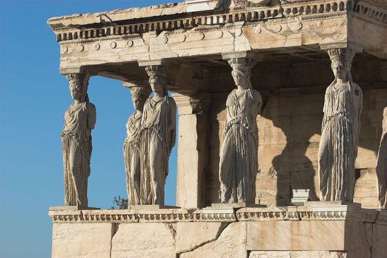 800px-Porch_of_Maidens
