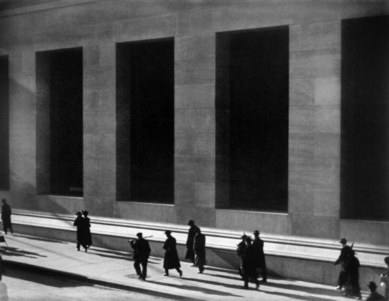 Strand, Paul Wall_Street 1915